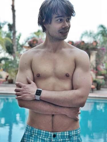 Alexander Rybak Hintergrund called Alexander Rybak