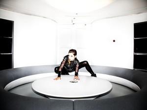Ana ~ Vis a Vis (2012)