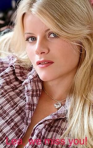 Andrea Absolonová-Lea De Mae (26 December 1976 – 9 December 2004)