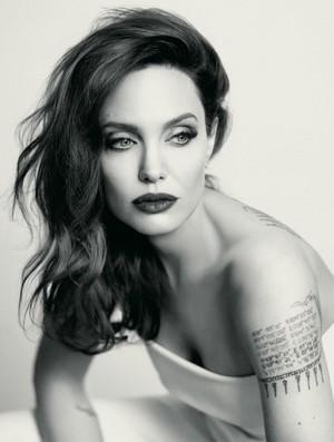 Angelina Jolie for Mon Guerlain Eau Florale [2018 campaign]