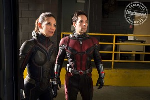 Ant-Man and the tawon - exclusive gambar