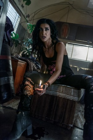 "Ash Vs Evil Dead ""Baby Proof"" (3x05) promotional picture"