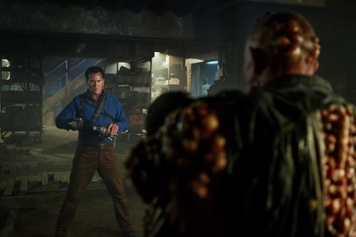 "Ash vs Evil Dead achtergrond titled Ash Vs Evil Dead ""Tales from the Rift"" (3x06) promotional picture"