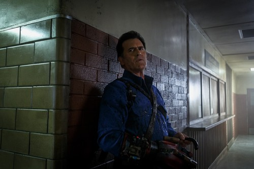 "Ash vs Evil Dead achtergrond entitled Ash Vs Evil Dead ""Twist and Shout"" (3x07) promotional picture"