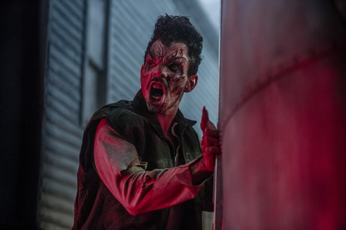 "Ash vs Evil Dead achtergrond entitled Ash Vs Evil Dead ""Unfinished Business"" (3x04) promotional picture"