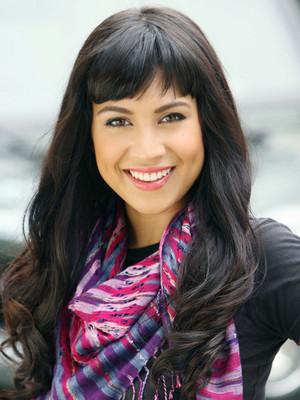 Cassie Steele (Manny Santos)