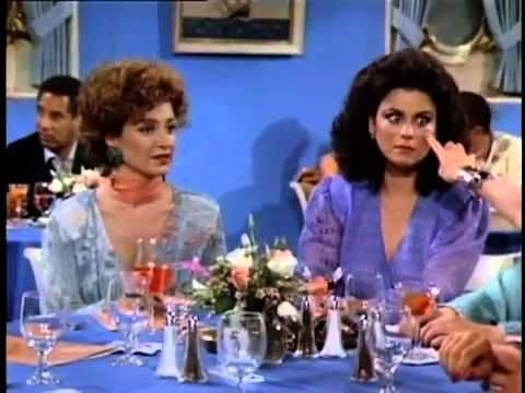 Golden Girls VS Designing Women achtergrond entitled Designing Women