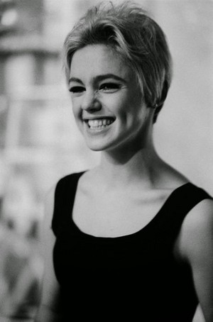 "Edith Minturn ""Edie"" Sedgwick (20 April 1943 – 16 November 1971)"