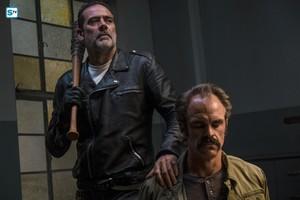 Jeffrey Dean morgan as Negan in 8x15 'Worth'