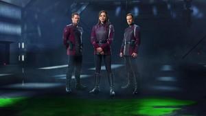 Killjoys Cast : Hannah John-Kamen, Aaron Ashmore & Luke Macfarlane