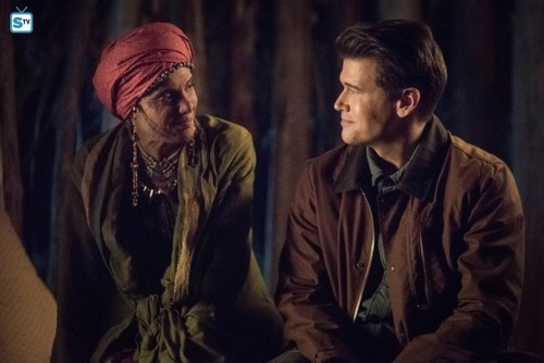 DC's Legends of Tomorrow fond d'écran called Legends of Tomorrow - Episode 3.17 - Guest Starring John Noble - Promo Pics