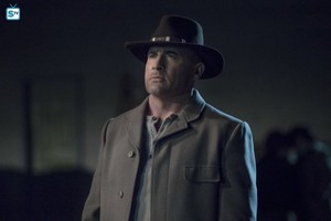 Legends of Tomorrow - Episode 3.18 - The Good, the Bad and the Cuddly (Season Finale) - Promo Pics