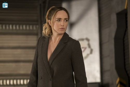 DC's Legends of Tomorrow fondo de pantalla entitled Legends of Tomorrow - Episode 3.18 - The Good, the Bad and the Cuddly (Season Finale) - Promo Pics