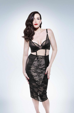 Liv Tyler - Triumph Белье Photoshoot - Spring/Summer 2018
