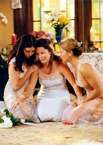Prue Piper and Phoebe 33