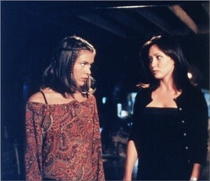 Prue and Phoebe 11