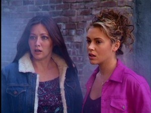 Prue and Phoebe 8