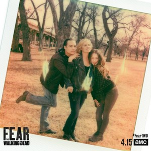 Season 4 Portrait - Polaroid - Frank Dillane, Kim Dickens and Alycia Debnam-Carey