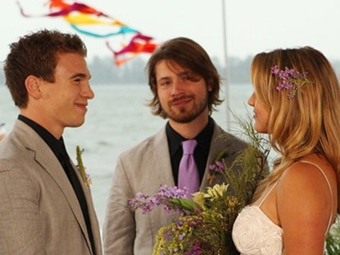 Degrassi: The siguiente Generation fondo de pantalla entitled Spinner and Emma get married