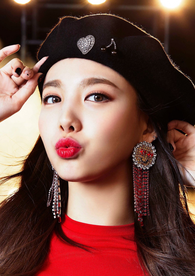 TWICE teaser images for their 3rd Japanese single 'Wake Me Up'