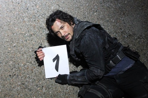 Bob Morley achtergrond called The 100 COUNTDOWN PIC