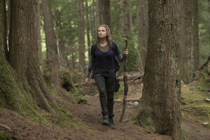 """The 100 """"Eden"""" (5x01) promotional picture"""
