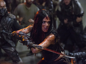 "The 100 ""Red Queen"" (5x02) promotional picture"