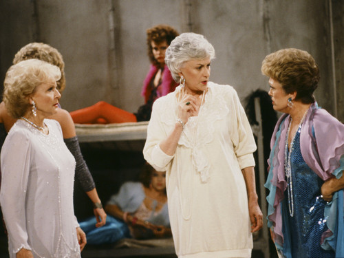 Golden Girls VS Designing Women 壁纸 entitled The Golden Girls