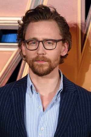 Tom Hiddleston at the लंडन प्रशंसक event for Avengers: Infinity War