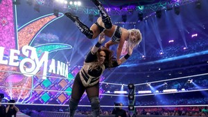 Wrestlemania 34 ~ Alexa Bliss vs Nia Jax