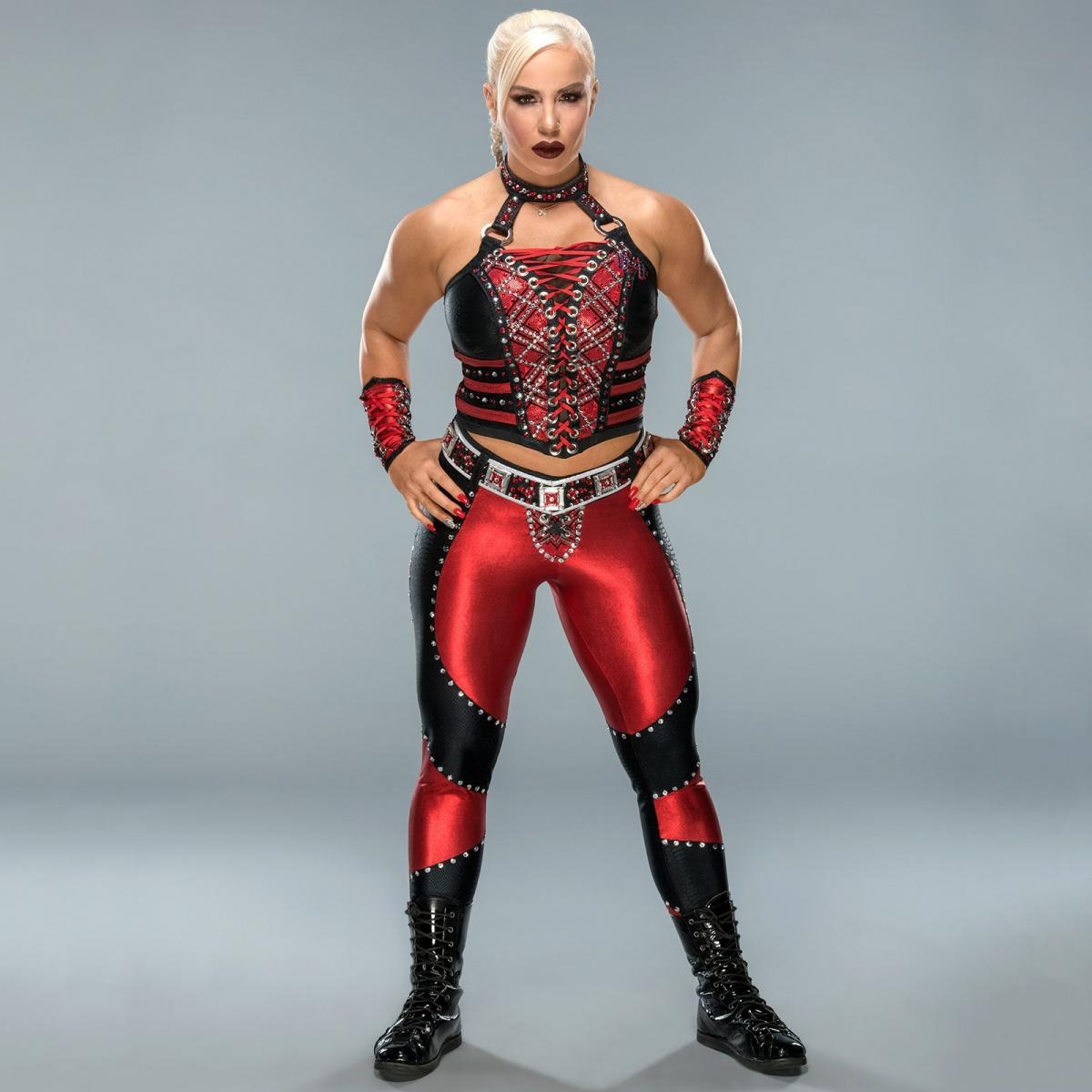 Wrestlemania-34-Ring-Gear-Dana-Brooke-ww