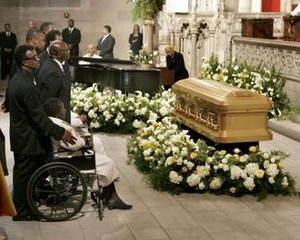luther vandross funeral