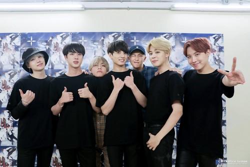 BTS hình nền entitled [2018 BTS FESTA] BTS bức ảnh COLLECTION