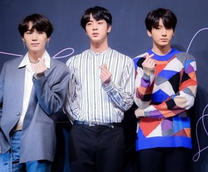 BTS FAKE LOVE PRESS CONFERENCE