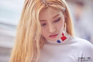 (G)I-DLE 'I AM' Jacket Shooting Behind (Soyeon)