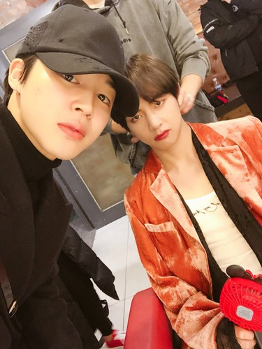 V (BTS) Обои titled V and Jimin