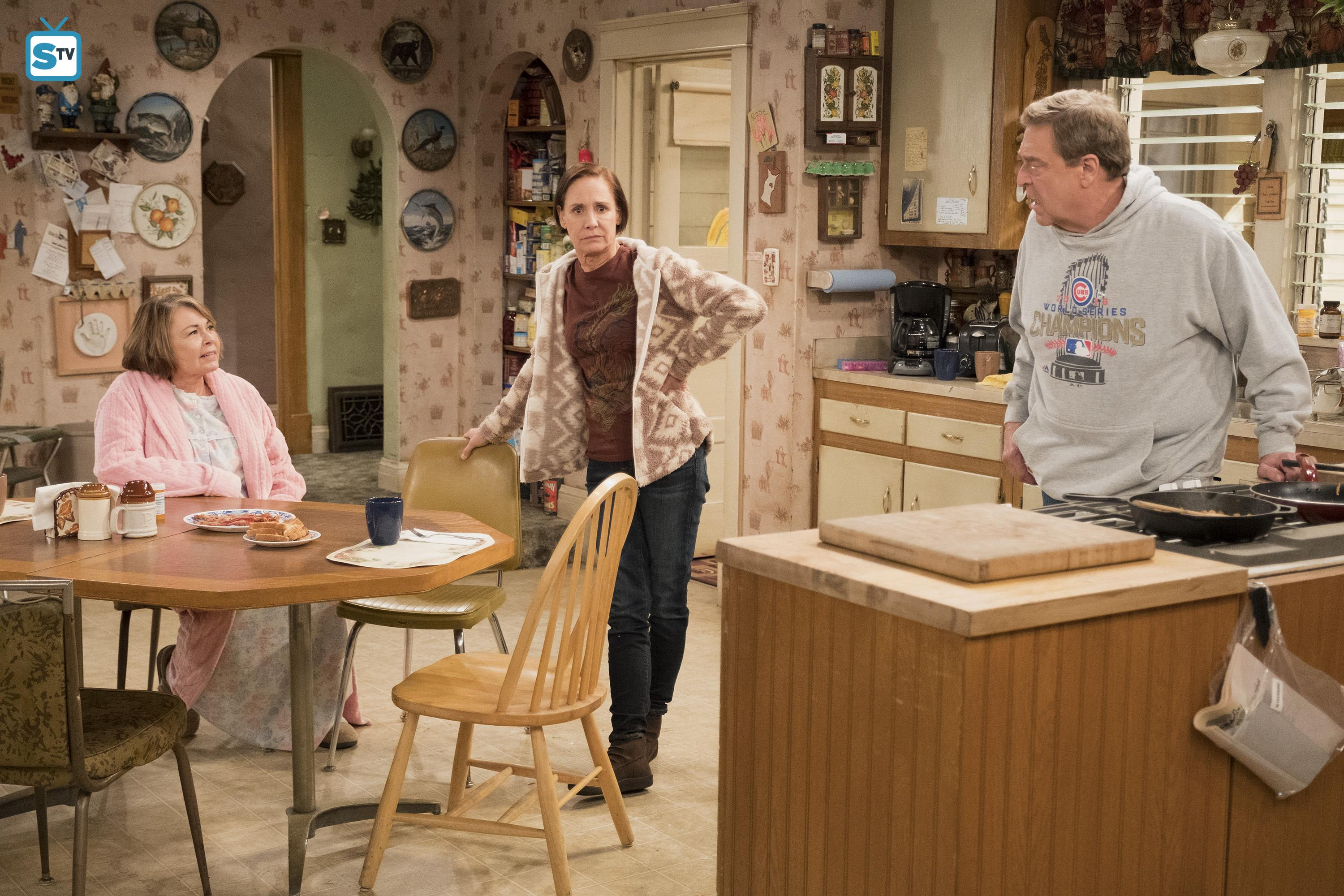 10x08 - Netflix and Pill - Roseanne, Jackie and Dan
