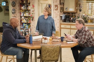 10x09 - Knee Deep - Chuck, Roseanne and Dan
