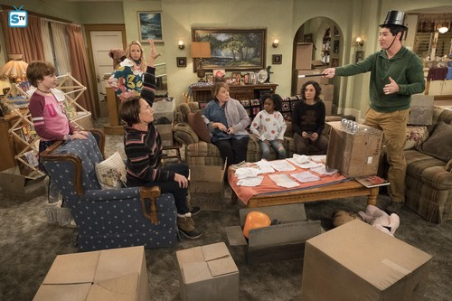 Roseanne Hintergrund titled 10x09 - Knee Deep - Mark, Jackie, Roseanne, Mary, Darlene and DJ