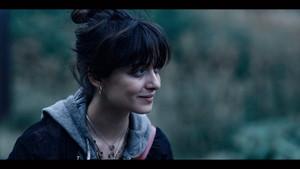 1x04 - Trust No One - Beatrice
