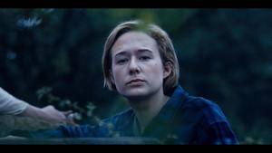 1x04 - Trust No One - Simone