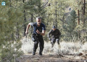 1x21 - Hunted - Deacon and Hondo