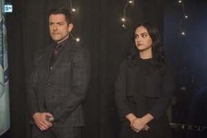 "2x20 │""Shadow of a Doubt"" │Promo foto's"