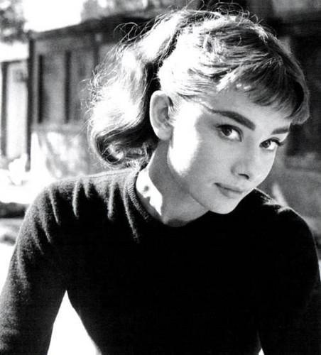 Audrey Hepburn wallpaper titled Audrey Hepburn