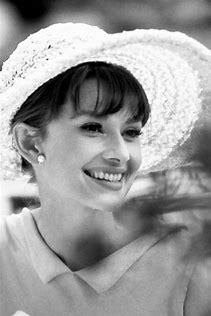 Audrey Hepburn wallpaper entitled Audrey Hepburn