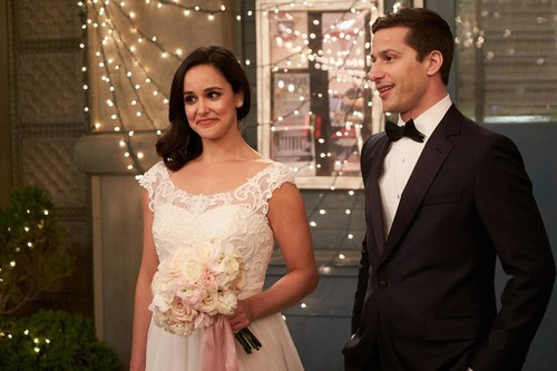 "Brooklyn Nine-Nine দেওয়ালপত্র titled Brooklyn Nine-Nine ""Jake and Amy"" (5x22) First Look"