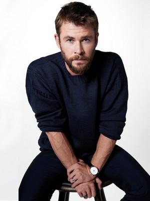 Chris Hemsworth - Esquire Latin America Photoshoot - 2017