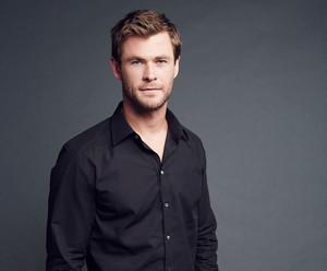 Chris Hemsworth - People's Choice Awards Portrait - 2016
