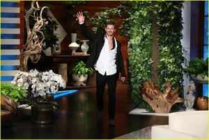 Chris on the Ellen 显示 April 26,2018