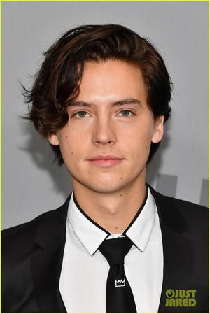 Cole Sprouse, KJ Apa and zaidi 'Riverdale' Stars Hit Up CW Upfronts 2018